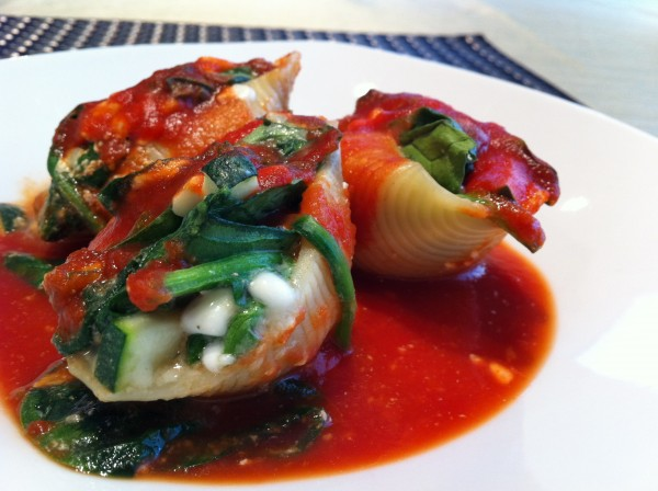 Read more about the article Spinach and Cheese Stuffed Pasta Shells