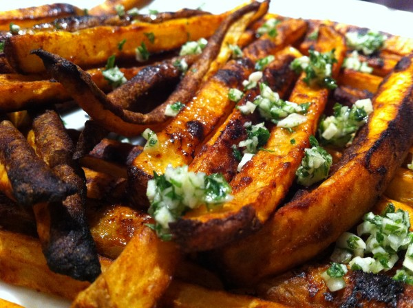 You are currently viewing Baked Garlic Fries with Truffle Oil